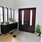 玄関が臭う時の対処法|抑えるべき3つの発生源